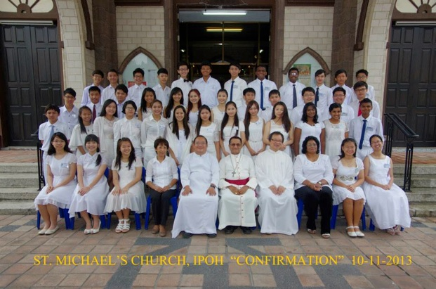 Official photo of Bishop with Confirmands