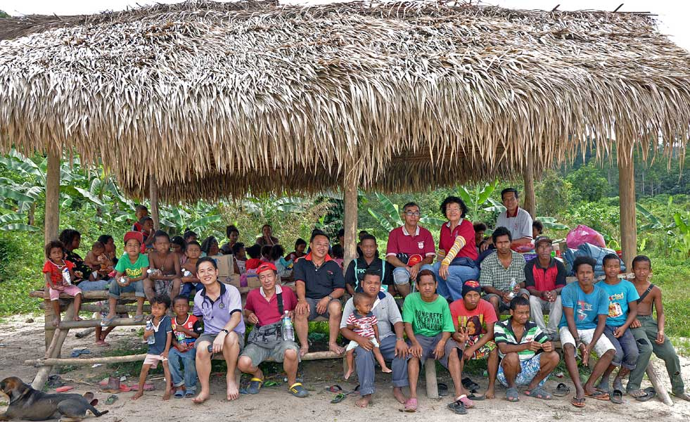 Group with Kg Sg Karah Villagers in Gerik