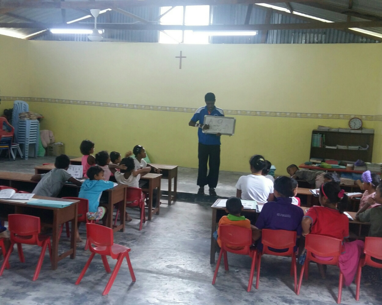 SSVP and OA teacher Nadia teaching at Kg Sinju Education Centre