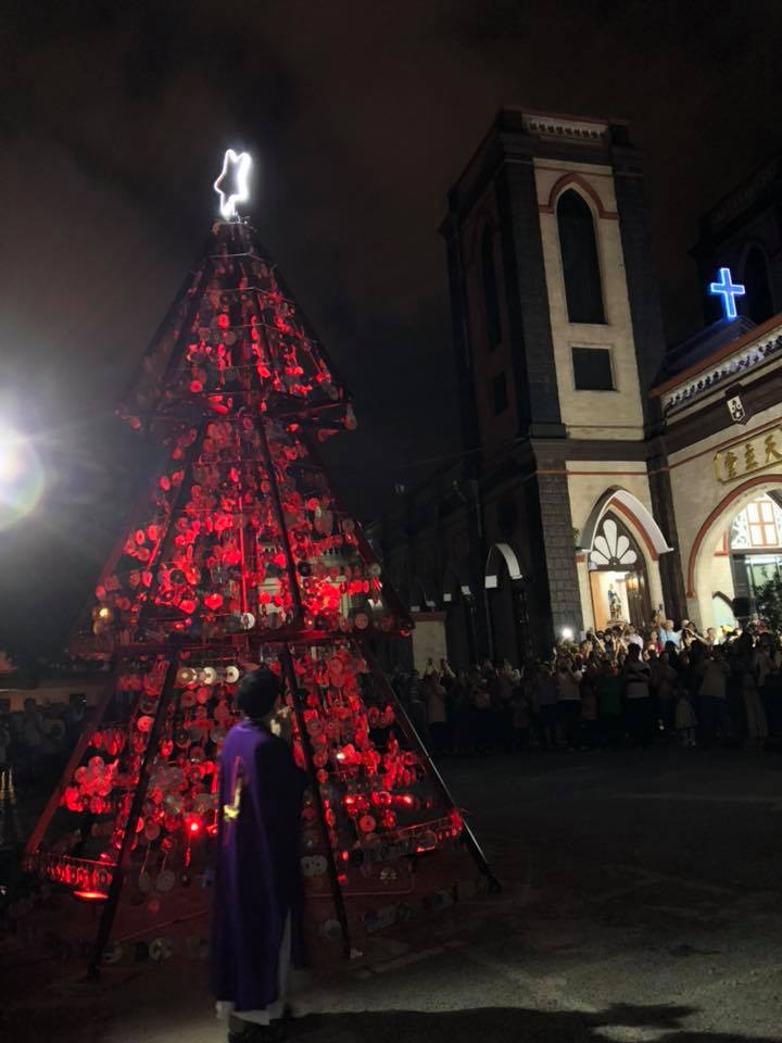 Official lighting of parish's 20ft Christmas tree